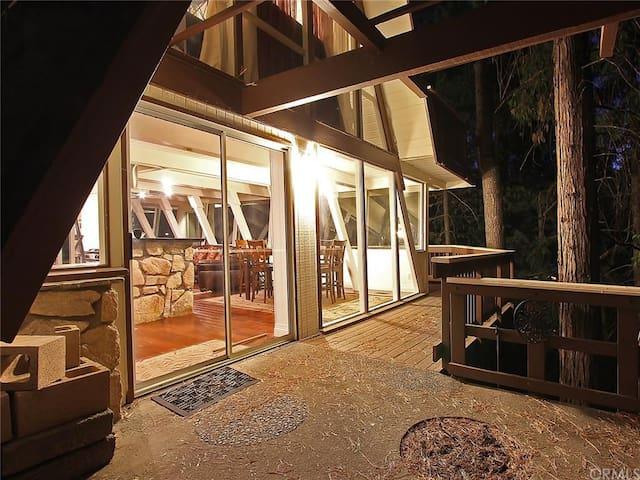 Lakefront - Location & Style! - Lake Arrowhead - Huis