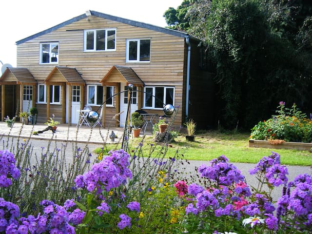 Usk Valley B and B - Bettws Newydd - Bed & Breakfast