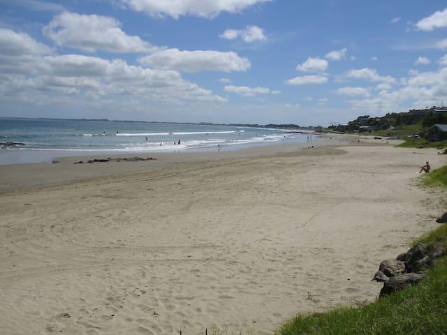 Ahipara-Coastal Cabins #3 at 90-mile beach - Ahipara
