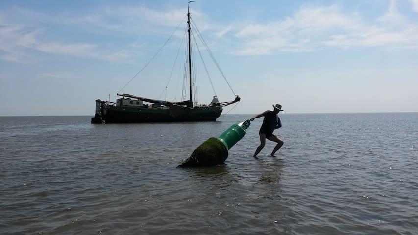 Ships cabin for two. On real Tjalk. - Marken - Tekne