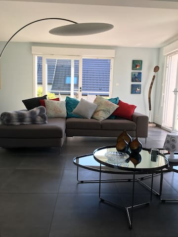 Maison spacieuse et lumineuse avec grande terrasse - Reitwiller - Hus
