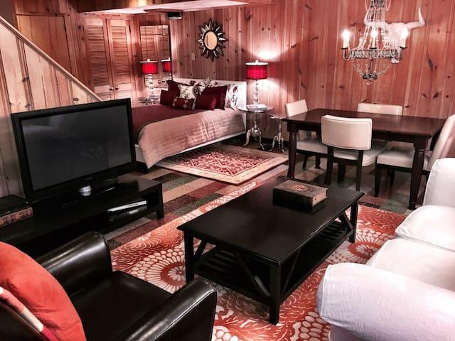 Private Apt in Beautiful Home. - Pittsburgh - Ev
