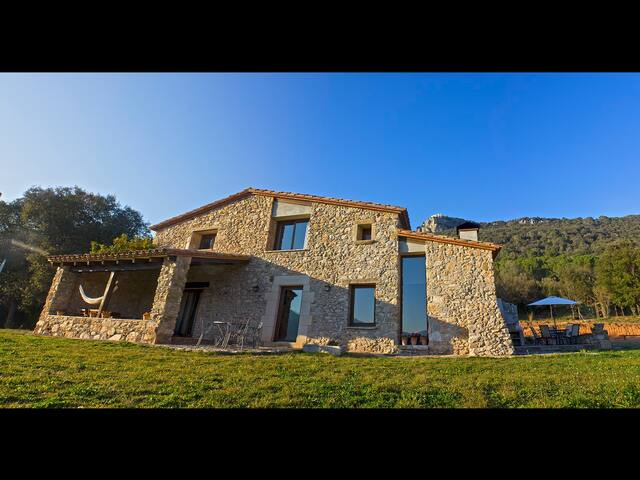 Rural house in quiet place without tourism - Amer - Ev