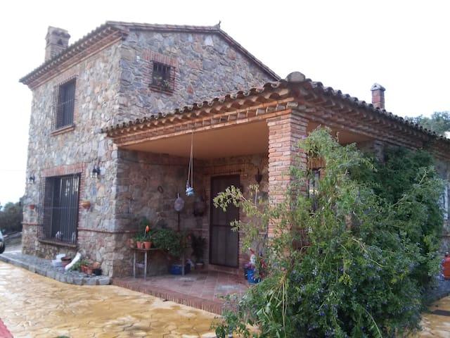 HOUSE IN THE SIERRA DE ARACENA. CORTEGANA - Cortegana - Huis