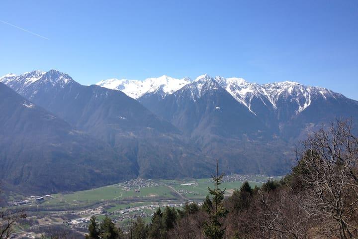 Chalet-relax in Valtellina.  Anche per mount-bike - Postalesio - Cabin