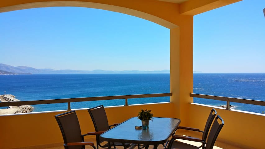 Sea View Holiday Home IOLI  - Chios - Appartement