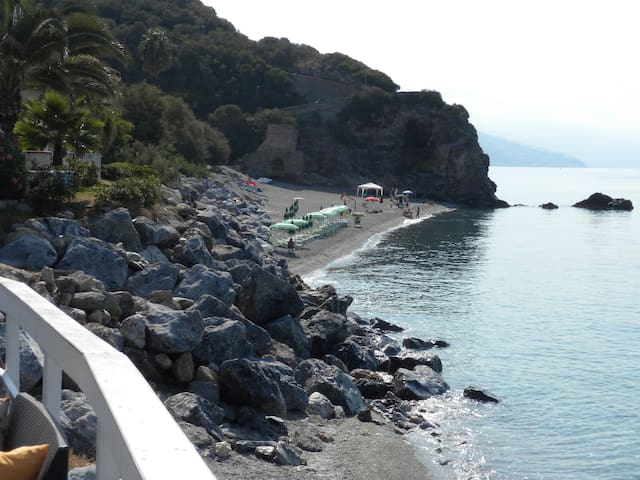Casa Vacanza sul mare in splendida baia naturale - Cittadella del Capo - Daire