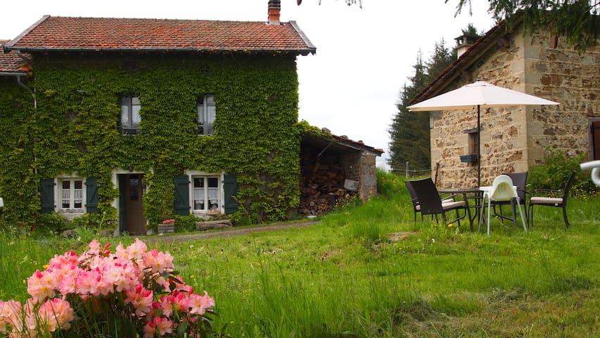 La Petite Maison dans la prairie - Bertignat