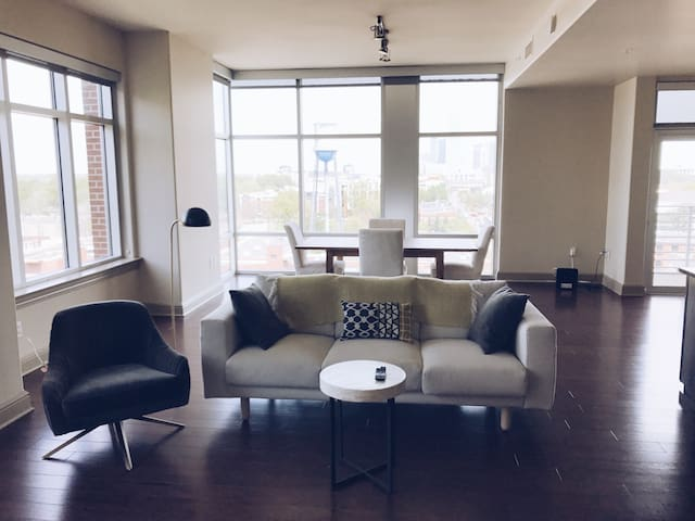 Stunning South End apt overlooking city skyline - Charlotte - Appartement