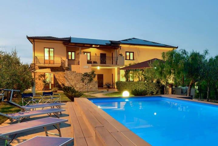 Villa Ambrosia Casa vacanze Castellabate Cilento - Castellabate - Daire