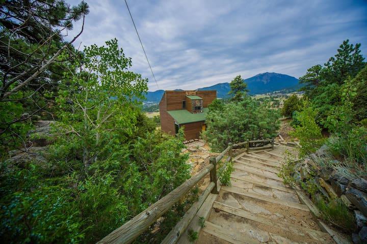 Top Views & Hot Tub Near Rocky Mountain Nat'l Park - Estes Park