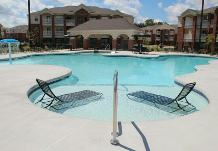 Cozy 1BD free prking great location - Bentonville - Appartement