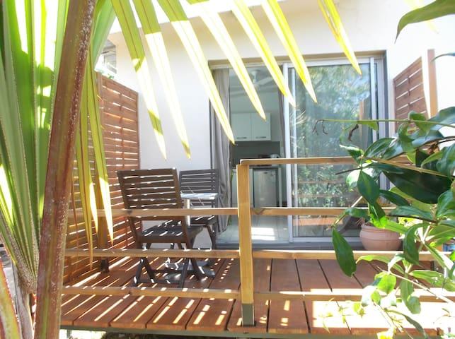 Charmant T1 avec terrasse chez le propriétaire - La Saline Les Hauts - Departamento