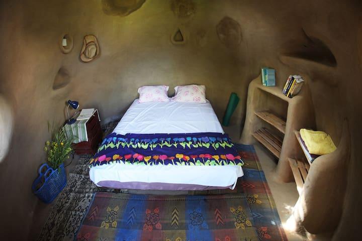 Ecologic magical MudHut - Talmei Bilu - Casa cueva