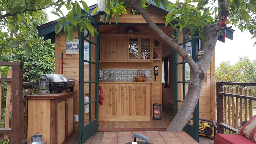 Treehouse Guest House with Farm Stay - Fillmore - Домик на дереве