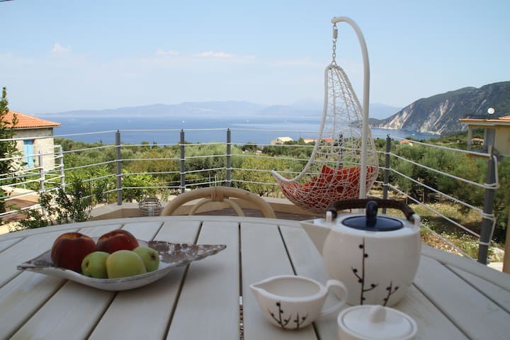 Ionian Breeze- house with great sea view - Platrithias - Villa
