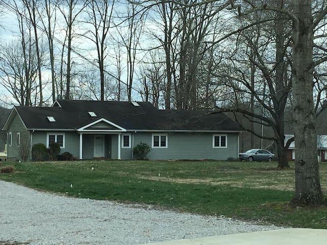 2-bedroom Lake House - Somerset - Huis