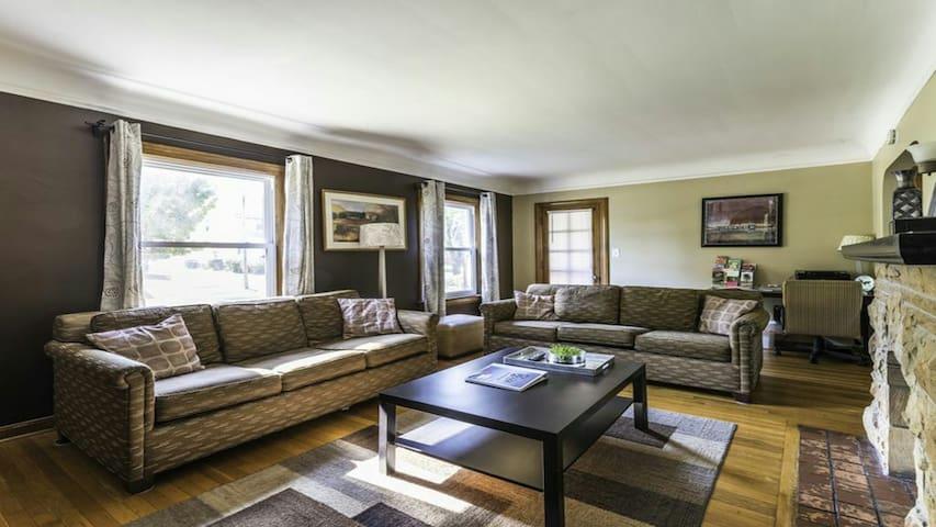Wickliffe House Hotels - Wickliffe - Appartement