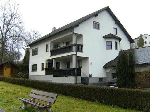 6 x Zimmer in Eltmann - Eltmann - Lägenhet