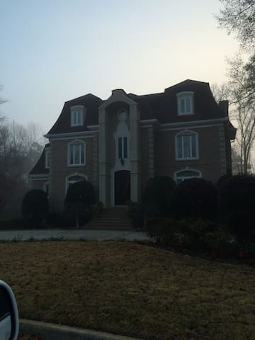 Beautiful home in an upscale Country Club - Martinez - Huis