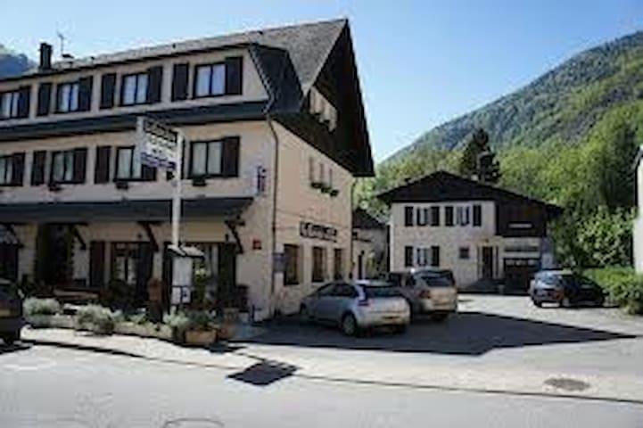 Hôtel de charme - La Rencluse - Saint-Mamet