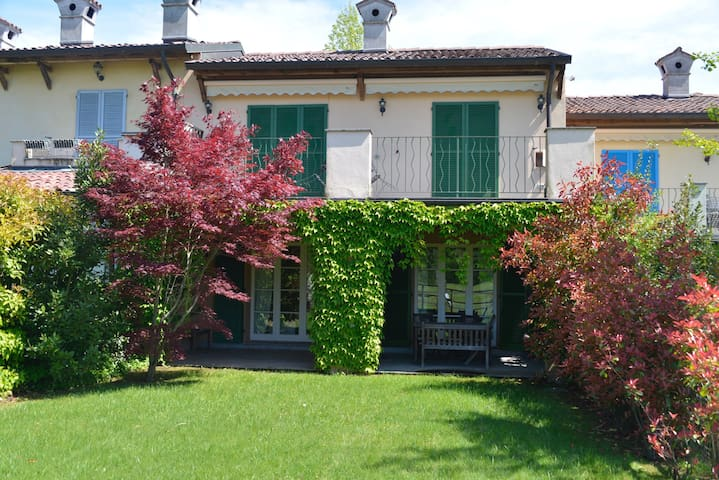 Golf house with garden - Bogogno - Departamento