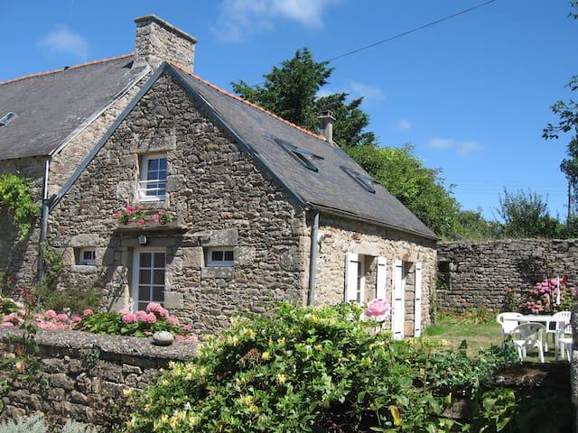 Little house on a farm - Pouldreuzic - Townhouse