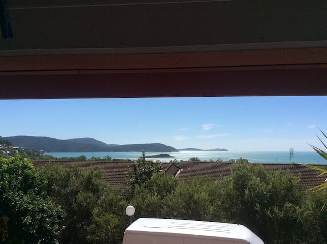 Private room in a nice  apartment - cannonvale - Leilighet
