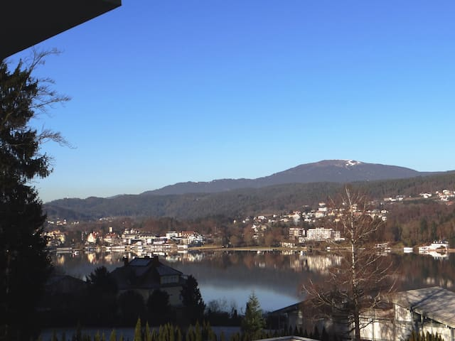 Penthouse Apartment with Lake View and Lake access - Velden am Wörthersee - 公寓
