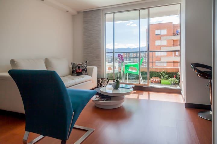 Modern 1BR by-airport, great view! - Bogotá