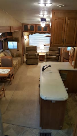 Country living close to town - Anacortes - Autocaravana