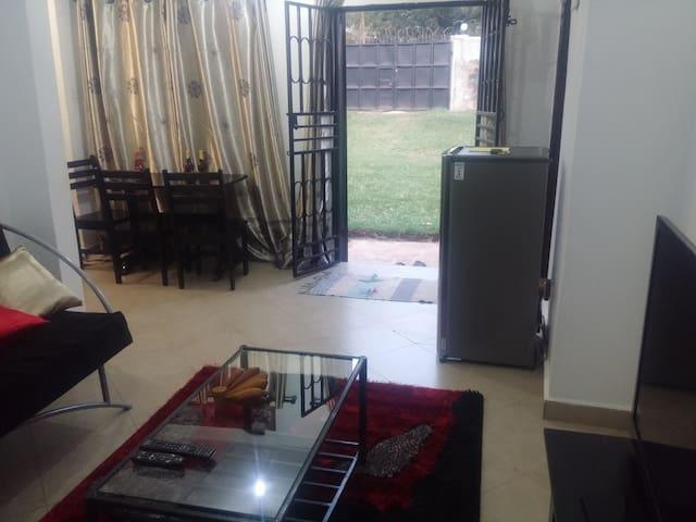 Fun and Party 2BR Home in Mengo near City Centre - Kampala - Casa