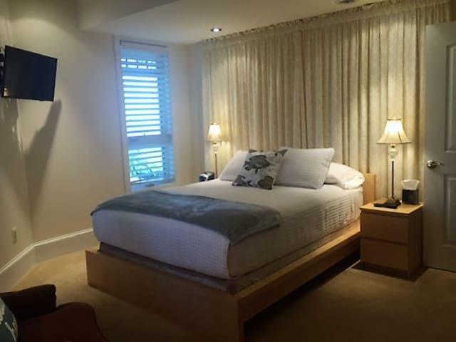 """Suite"" Herring Bay Views - North Beach - Guesthouse"
