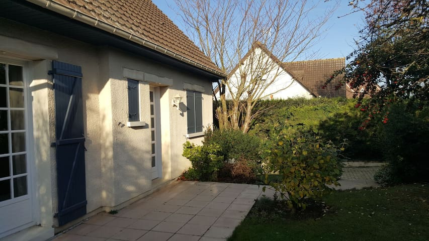 Cozy room close to Landing beaches - Hermanville-sur-Mer - Huis