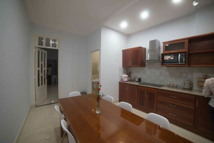 Nice room for rent 20usd Dist 3 - District 10