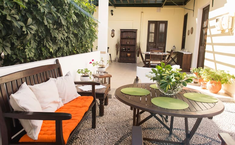 Central traditional house with big garden - Rodos - Apartment