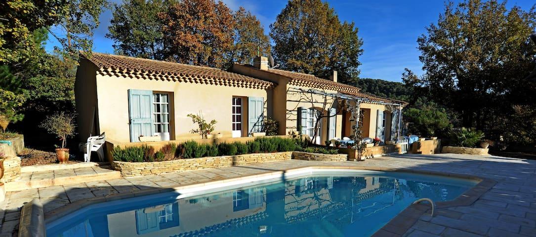 villa calme et agréable  au cœur du Lubéron - Villelaure - Villa