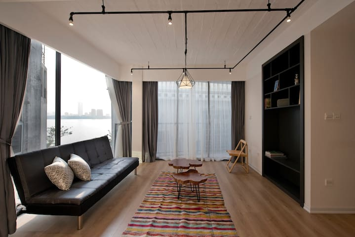 2 bed rooms apartment Westlake view - Hanoi - Leilighet