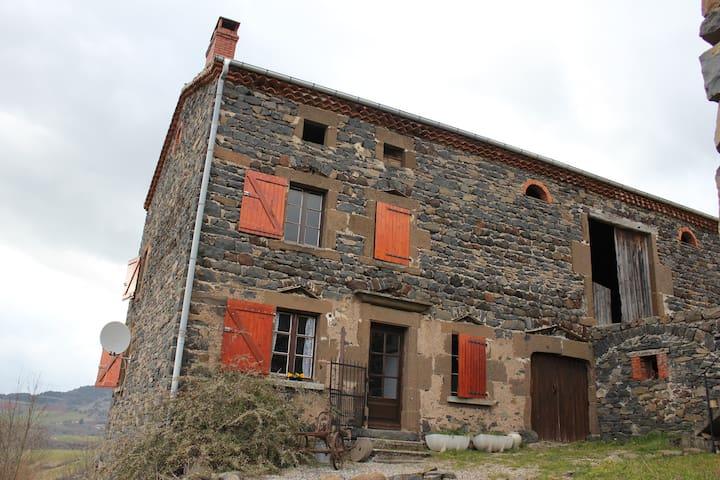 Maison en pierre à la campagne - Siaugues-Sainte-Marie - Huis