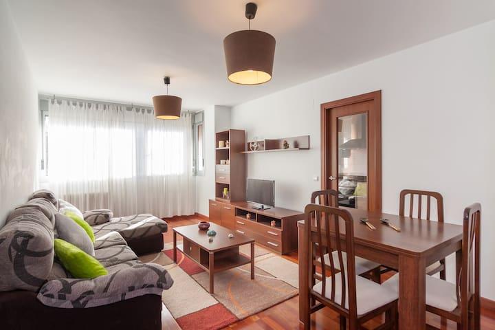 Ideal para vacaciones en Cantabria - Torrelavega - Daire