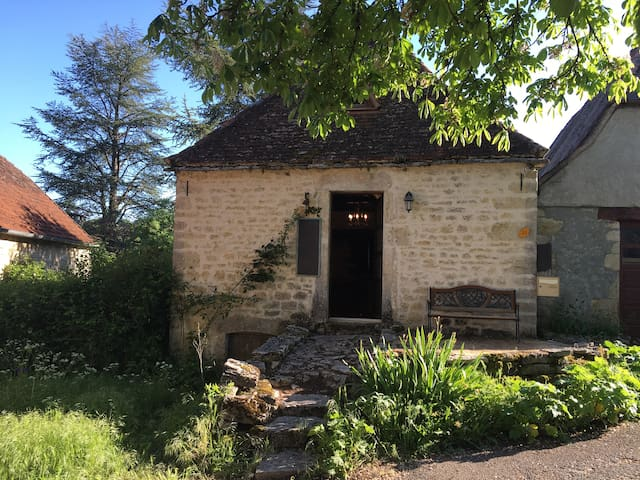 stonehouse, Caniac du Causse, in the Lot, 46240 - Rocamadour - Rumah