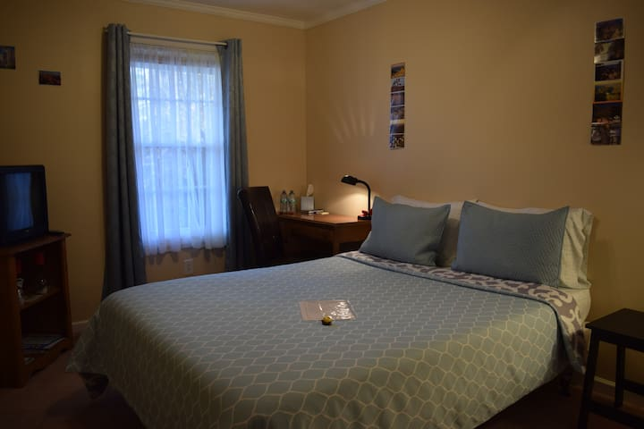 CLEAN private bed&bathroom 5 min from I95 - Manning - Huis