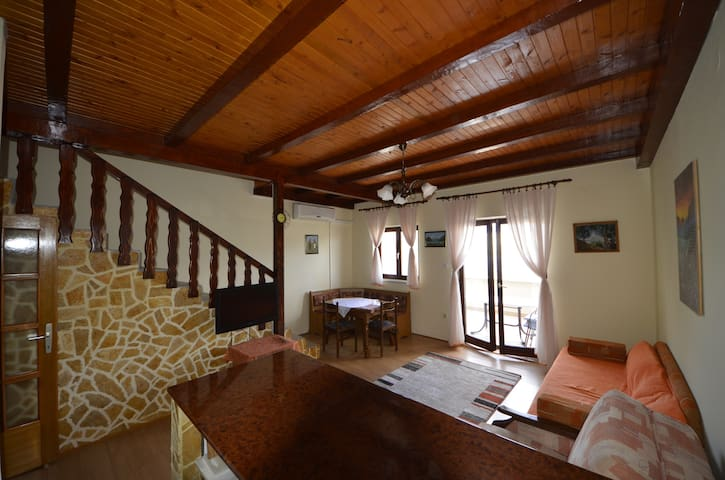 Sea view apartment with balcony - Pag