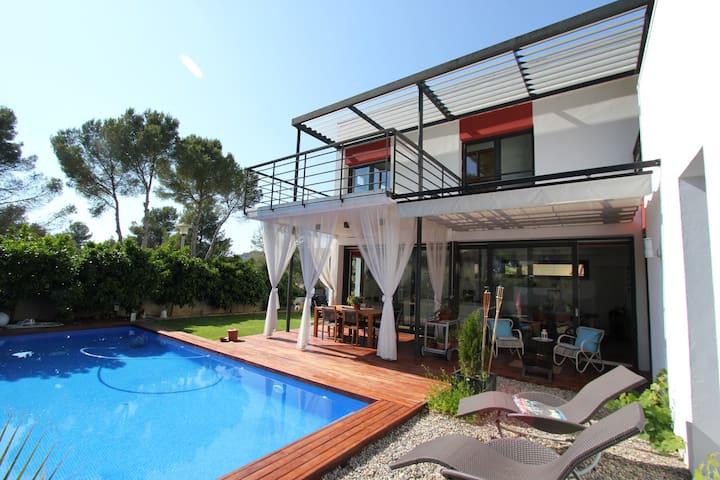 Bright ensuite room in Sitges+pool - Sant Pere de Ribes - Rumah