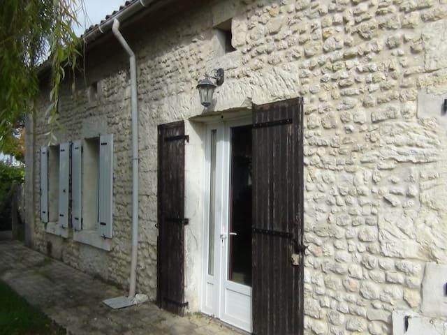 Chambre en Sud Charente maritime - Saint-Maigrin