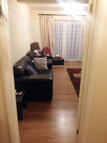 COZY DOUBLE ROOM IN LOVELY SPACIOUS HOME - Borehamwood - Hus