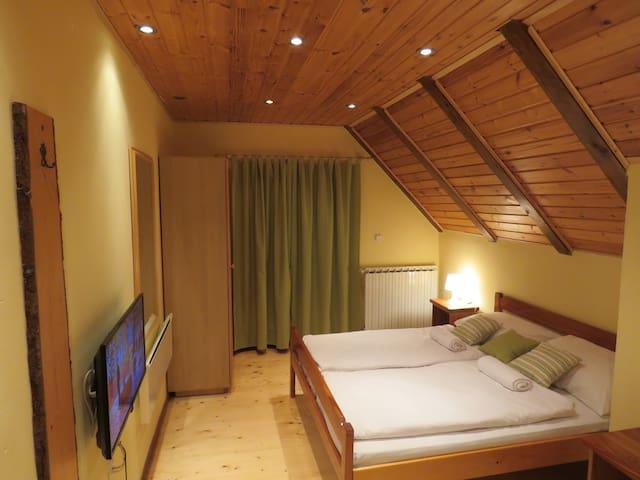 Stefanac  room 2 - Otočac - Talo