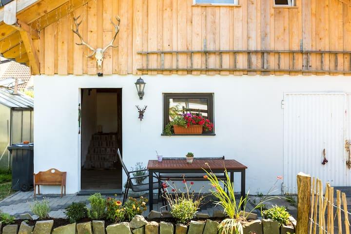 Kleines freistehendes Ferienhaus - Bad Honnef - Kulübe