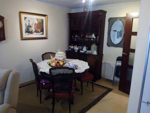 Apto.2 dormitorios y plaza garaje - El Grove - Apartamento