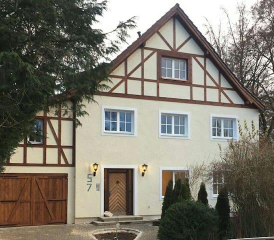 Fachwerkvilla bei München im Fünf Seen Land - Gauting